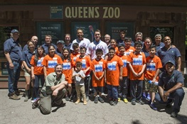 NY Mets Players Visit WCS's Queens Zoo