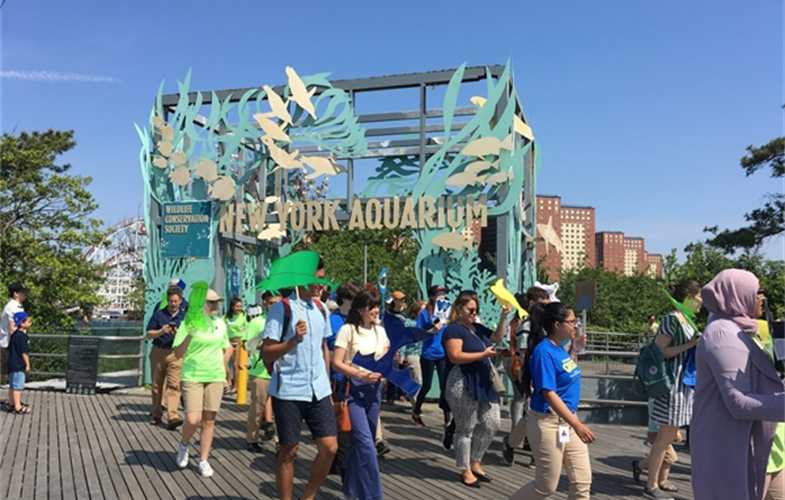New York Aquarium visitors at the 2018 March for the Ocean. CREDIT: (c)Stephanie Joseph/WCS