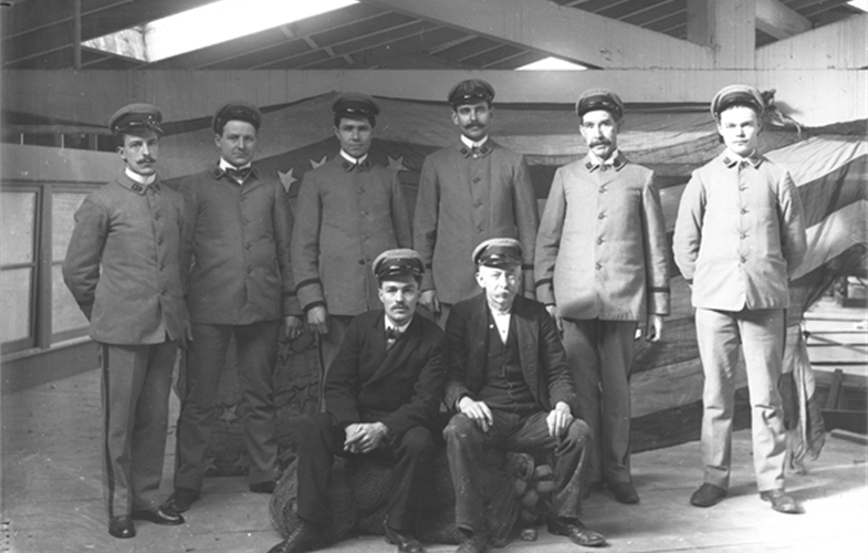 Wildlife Conservation Society_02542_New York Aquarium Employees circa 1905_AQ_00 00 00.JPG